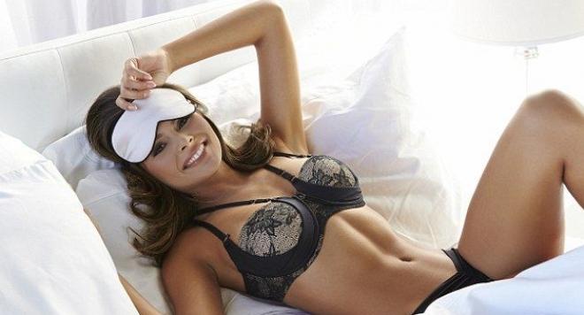 Сутиен за спане пази гърдите от сплескване