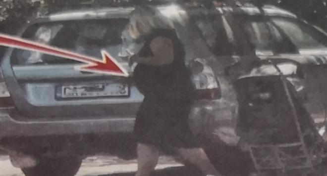 Дебела или бременна е Лора Крумова?