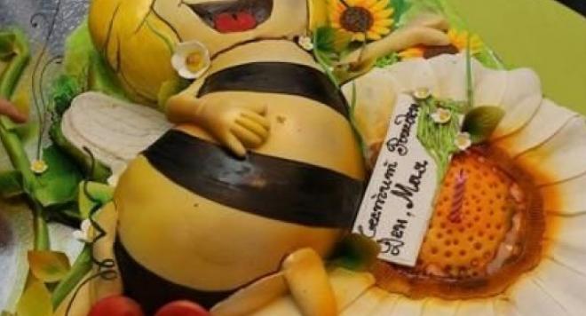 Торта пчела за щерката на Ива Софиянска