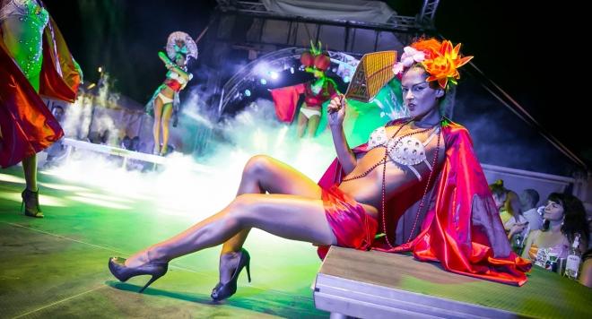 """Спектакълът """"Moulin Rouge"""" изпраща лятото"""