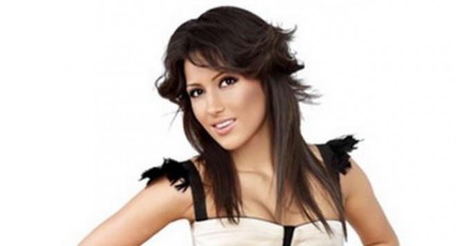 Мис България 2010 фенка на лековити бижута