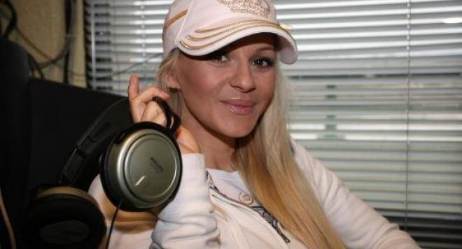 Както BLife първи писа: Деси Слава се завръща в музикална компания Пайнер