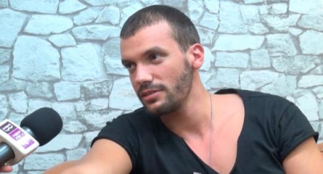 Мартин Мартинов пред BLife: Нормално е да ме мислят за гей, младо момче, хубаво... /видео/