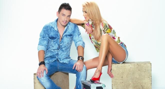 Мис Кучкова се заиграва с фолк дебютант /видео/