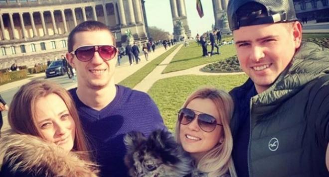 Докато Мария Илиева гледа сама сина им, бившият й обикаля Европа с гаджето