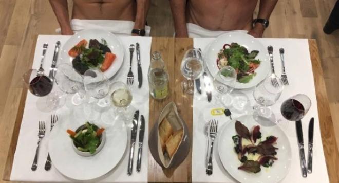 Снимка: Затварят първия нудистки ресторант в Париж