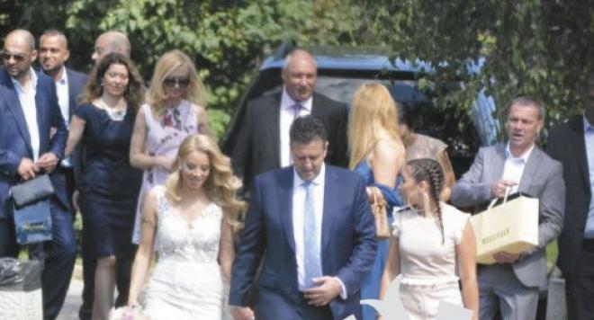 Ексклузивни СНИМКИ от сватбата на Емилия и Жорж Башур