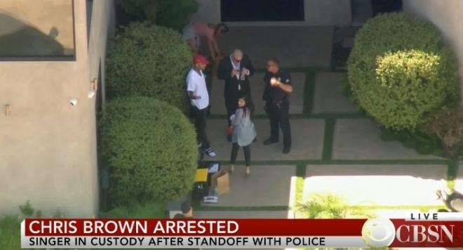 Пак арестуваха Крис Браун, разбра се кого е заплашвал с пистолет, рапърът обвини полицията в насилие (ВИДЕО)