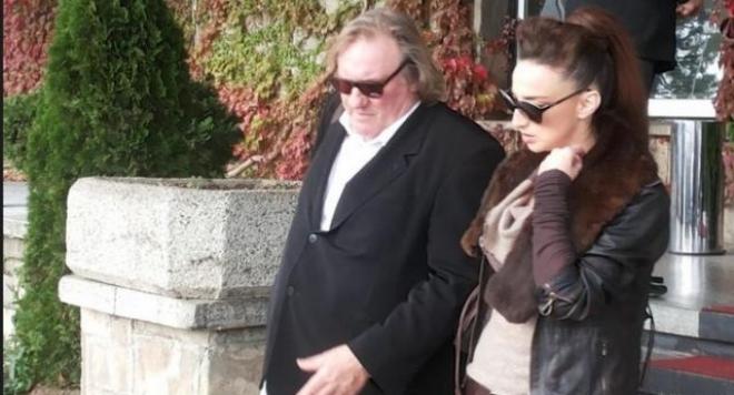 Жерар Депардийо се разхожда из Пловдив