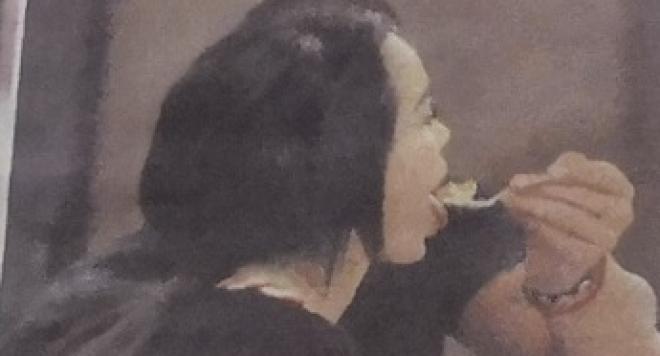 Божинов храни дъртото коте в устата