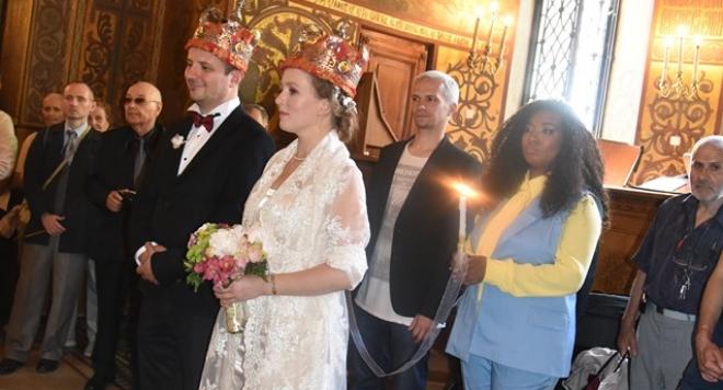 Сестрата на водещия на тотото Део – Марина, се омъжи