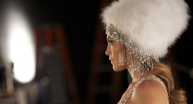 Джей Ло покорява света с глас и висша мода