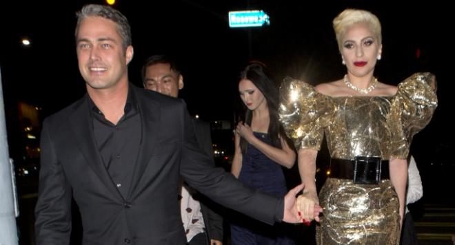 Вижте как Лейди Гага отпразнува рождения си ден и звездните й гости (СНИМКИ)