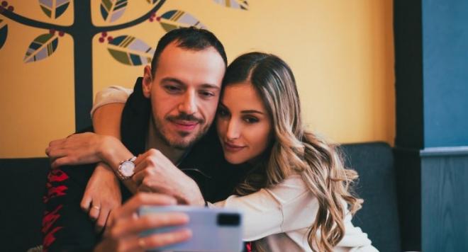 Дани и Алекс Петканови се разделят (Хитрата манекенка си купила апартамент само на свое име)