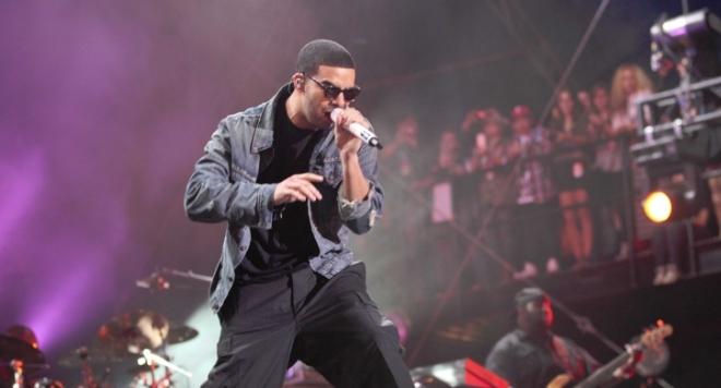 Дрейк би рекорда на Джако с 13 номинации за Американските музикални награди