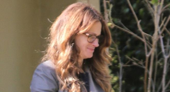 Джулия Робъртс отказала да присъства на гей сватбата на баща си