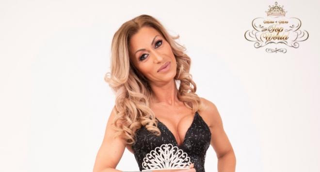 Мисис България София Паскалева предава опита си на млади фризьори