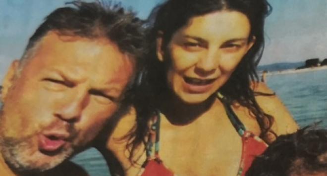 Ники Дойнов наля 10 бона в пазвата на жена си