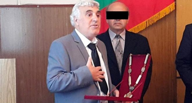 Кметът на Ракитово си купил изборите, синовете на Костадин Холянов плащали по 50 лева за глас (ДОКАЗАТЕЛСТВА)