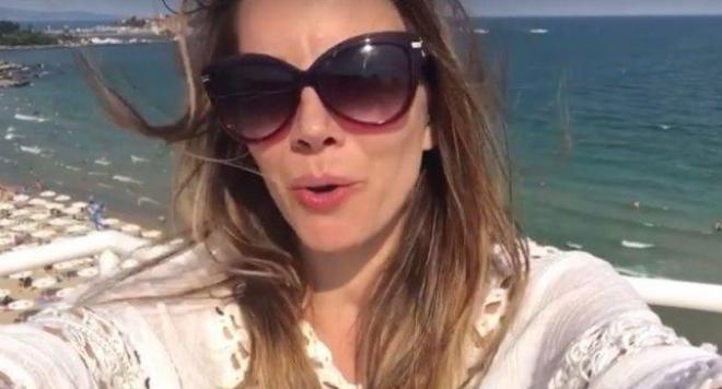 Емилия заведе децата на море (Снимки)