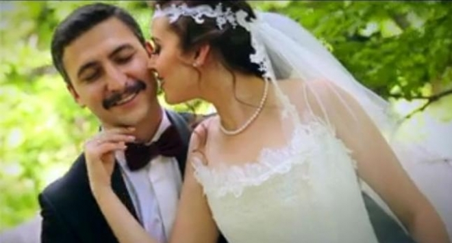 Горичво! Лютви Местан омъжи щерка си (снимки)