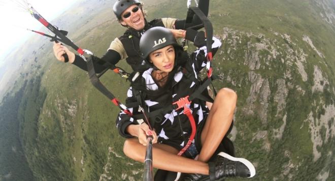 Ани Хоанг полетя на височина от 2200 метра (УНИКАЛНО ВИДЕО)