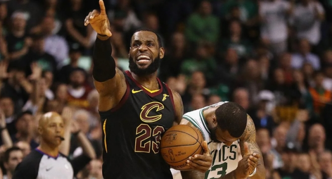 ЛеБрон Джеймс изведе Кливлънд до Финалите на НБА