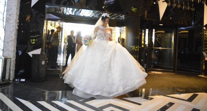 Булката на Фики с рокля за 10 бона + с колко хилядарки се отчете кумата Галена