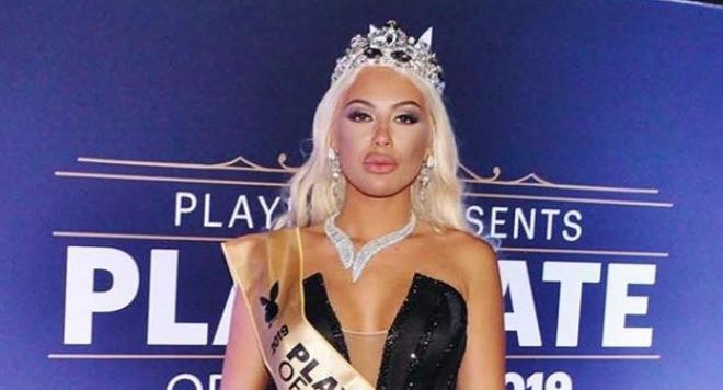 УАУ! Вижте каква красавица е била Мис Плеймейт 2019 преди да се обезобрази с пластики и силикон (СНИМКИ)