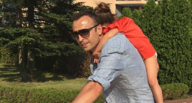 Бербатов спортува с дъщеря си