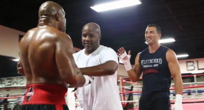 Бивш шампион налетя да бие Кличко преди Кобрата /видео/