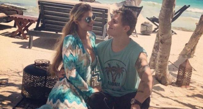 Влюбената Парис Хилтън на романтична почивка с новото си гадже в Мексико