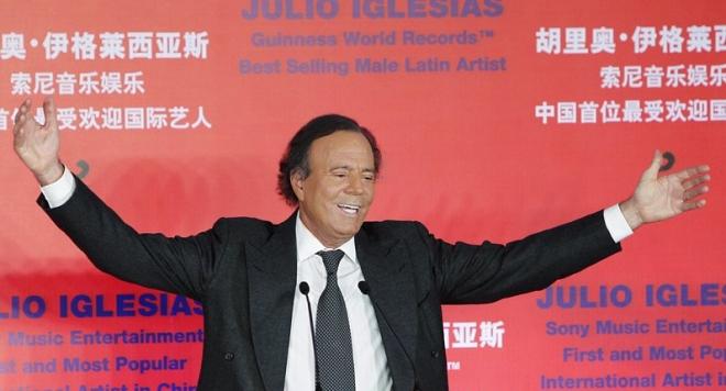 Хулио Иглесиас пее в България през май