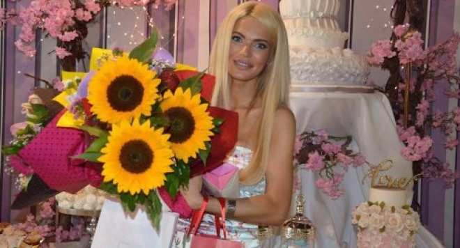 Миската Вероника Стефанова празнува рожден ден с отбрани гости (Снимки)