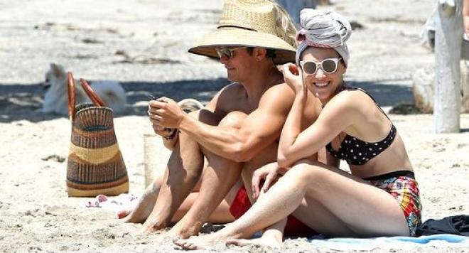 Орландо Блум на почивка с копие на Кейти Пери