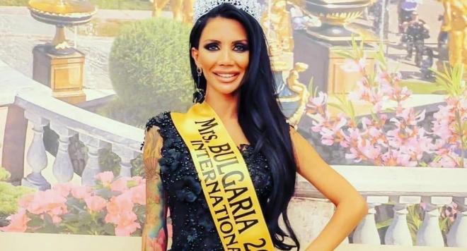 Мисис България Неделина Цанева става певица