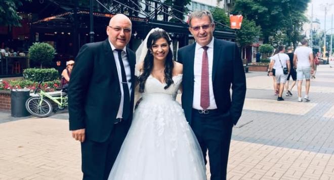 Деси Цонева се омъжи по кецове за 2500 лева (СНИМКИ)