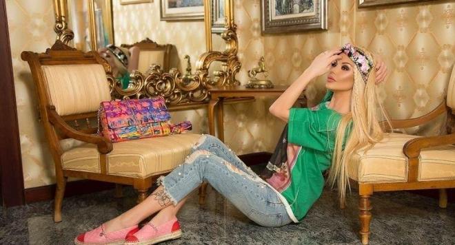 Светлана Василева си пие кафето с Версаче (ФОТО)