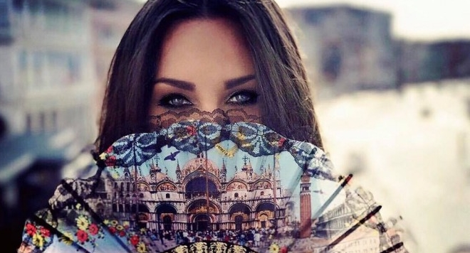 Симона Загорова на романтична почивка в Италия (Снимки с гаджето)