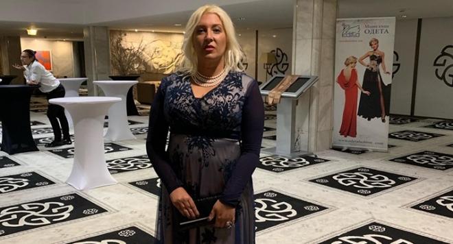 """""""Мисис Дама на годината""""  Ваня Ламбева подкрепи каузата на Парижкия бал"""
