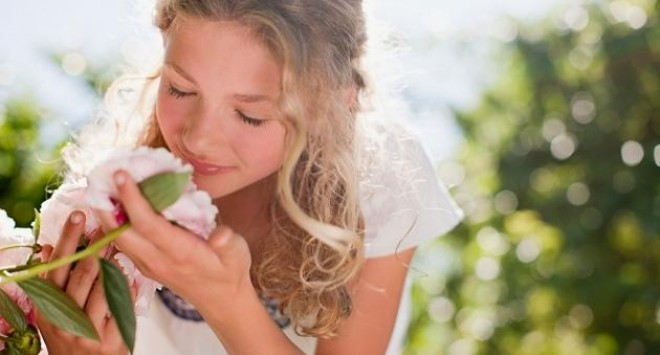 Нина Ричи замириса на българска роза