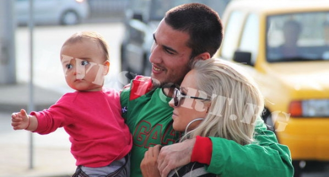 Елена и Ивелин Попов показаха сина си