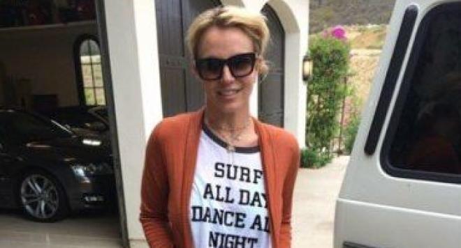 Бритни Спиърс постъпи в психиатрична клиника