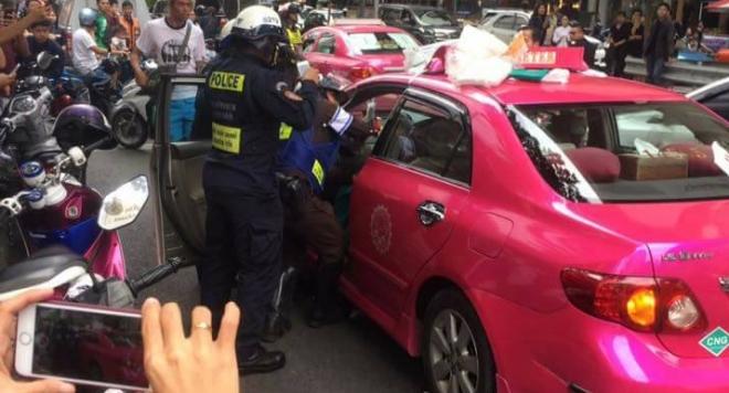 Тайландка роди в такси пред Ромина Тасевска (СНИМКА)