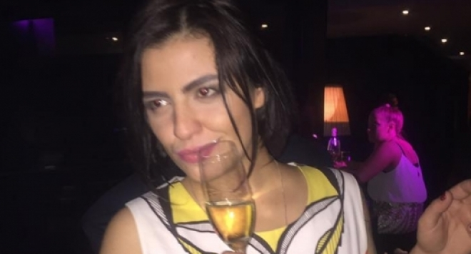 Деси Цонева се разчекна  в дикотека след пиянски запой (Снимки)