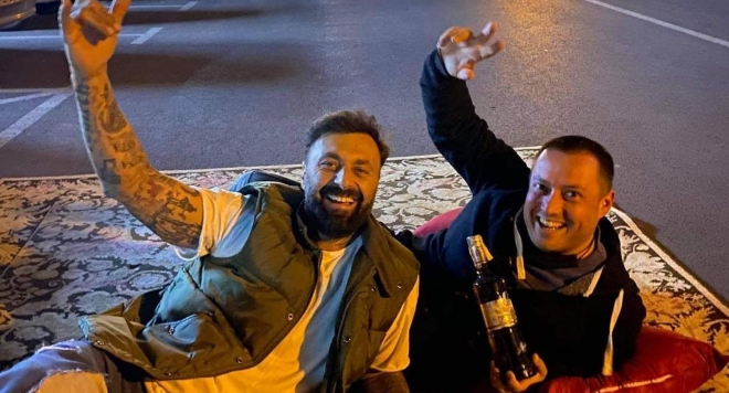 DJ Дамян си спретна улично парти в центъра на Пловдив