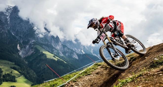 Звезди се натискат да участват на първото велосъстезание Джуренец Куест