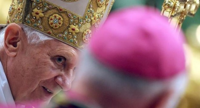 Кой е най-скандалният папа в историята