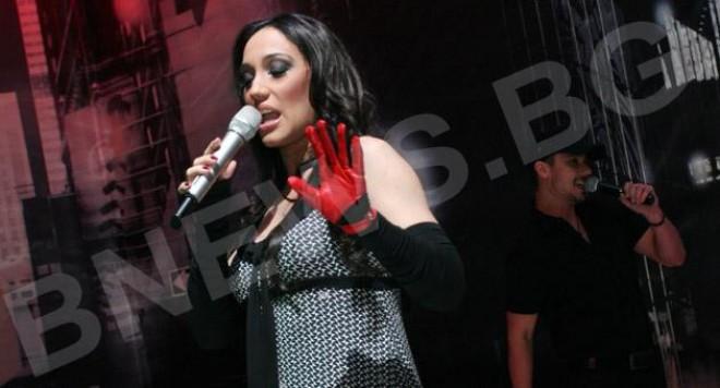 Мария Илиева пее пред Глория (ВИДЕО)