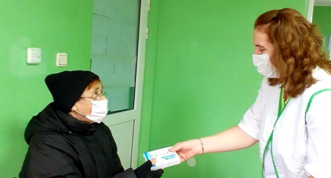 Имуностимуланти и хранителни добавки за над 2 000 възрастни хора в 23 населени места